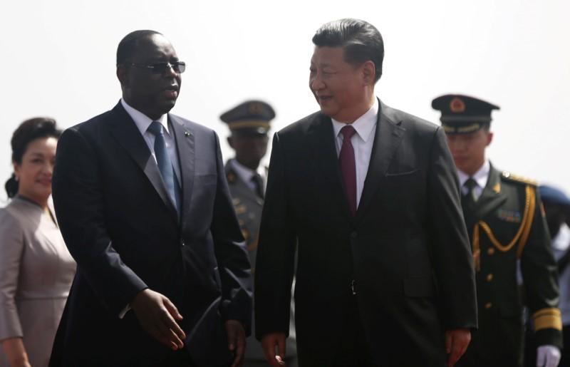 صورة وصول الرئيس الصيني إلى السنغال في بداية جولة أفريقية