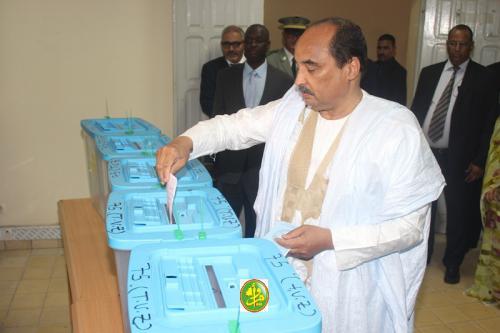 صورة الانتخابات الموريتانية: المشاركة متدنية حتى الظهر وحديث عن عمليات تزوير محدودة