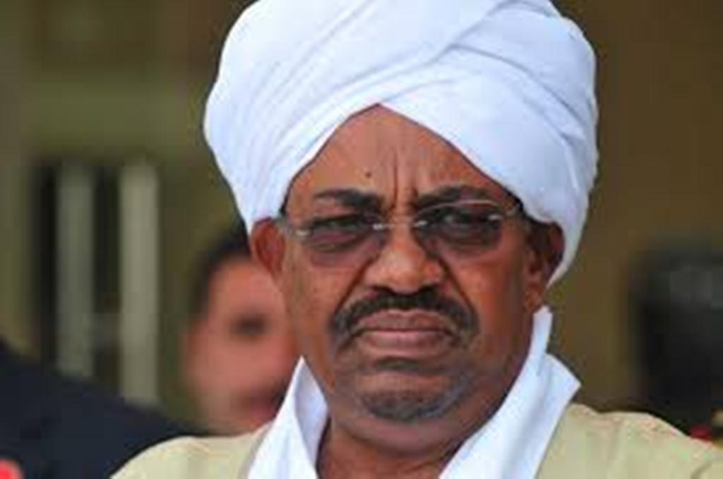 صورة الرئيس السوداني يقرر حل الحكومة