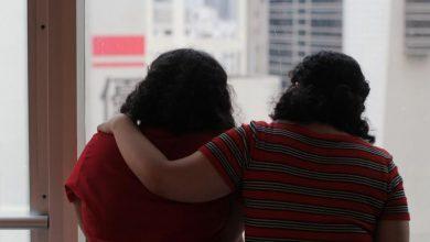 """صورة شقيقتان سعوديتان  هربتا إلى هونج كونج تقولان """"لا ندم"""".."""
