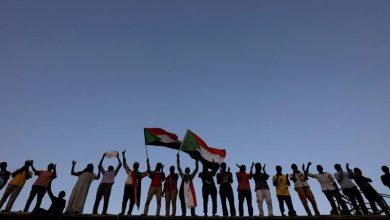 صورة مقتل ضابط و3 محتجين وإصابة عدد كبير من المحتجين في الخرطوم