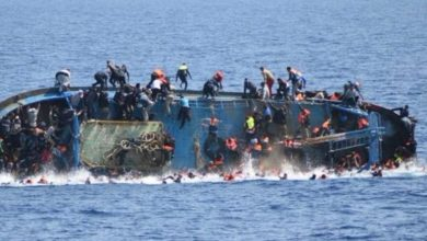 صورة إنقاذ 74 من المهاجرين غير الشرعيين و انتشال 57 جثة بعد غرق قارب في المياه الموريتانية