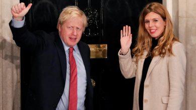 صورة متحدث باسم جونسون: بريطانيا ليست مستعدة لتغيير إجراءات التباعد الاجتماعي Reuters Staff