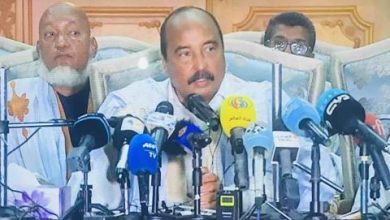 صورة شرطة الجرائم الاقتصادية تستدعي الرئيس السابق ولد عبد العزيز
