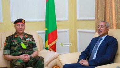 """صورة قائد أركان """"الجيش الليبي"""" في نواكشوط"""